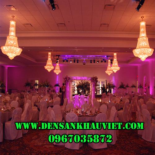 đèn sân khấu đám cưới